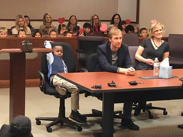 5-Year-Old Brings Kindergarten Class To Watch His Adoption Hearing